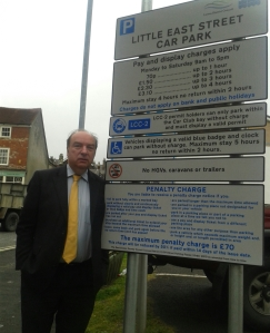 Norman calling for change to parking rules to support local traders